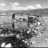 Nehirde çamaşır yıkayanlar