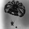 Paraşüt Gösterisi, 1972
