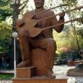 Özay Gönlüm Heykeli, Denizli