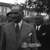 Atatürk Eski TBMM Önünde, 1935