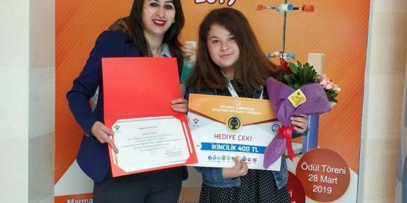 Öğrencimiz Senanur Tübitak proje yarışmasında bölge ikincisi oldu