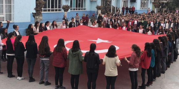 Aydın Efeler Gazipaşa Ortaokulundan Afrin'e dua