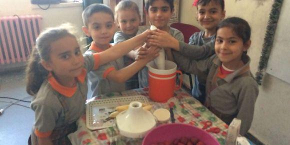 Okul sütü meyvelerle buluşmaya devam ediyor