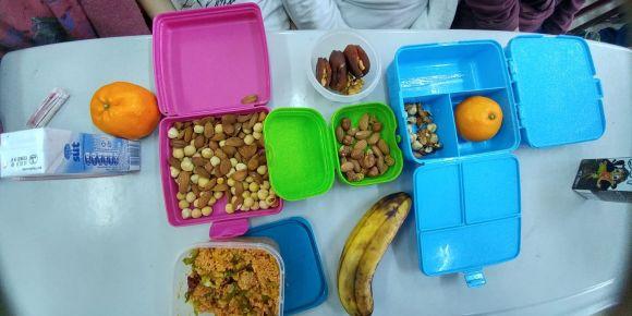 Sağlıklı besleniyoruz