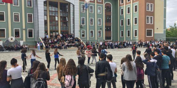 Isparta Halıkent Anadolu Lisesinde 19 Mayıs coşkusu