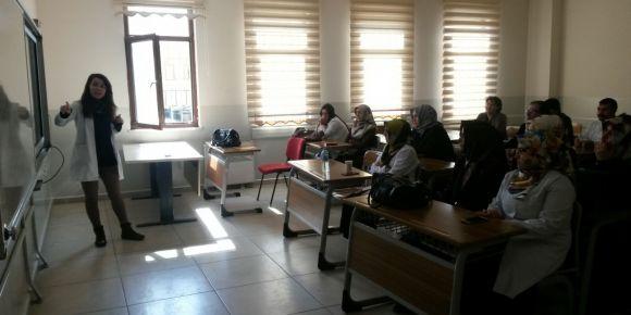 Van AİHL öğretmenlerine öğretim materyali hazırlama ve EBA' da paylaşma semineri verildi