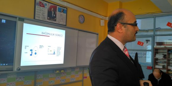 Tokat Merkez Bedestenlioğlu İlkokulu madde bağımlılığı semineri