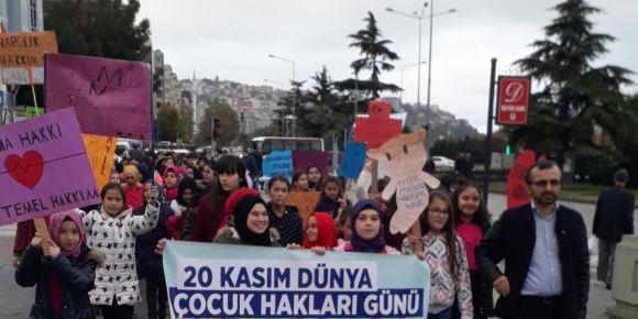 Dünya çocuk hakları günü yürüyüşü etkinliği