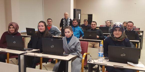 """Trabzon İbrahim Alemdağ Ortaokulu öğretmenleri ''FATİH"""" kursunda"""