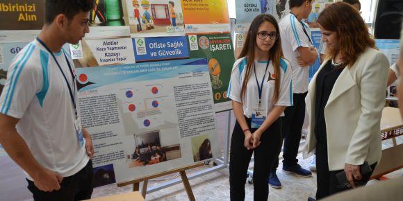 Mersin Mezitli Mesleki ve Teknik Anadolu Lisesi TÜBİTAK 4006 bilim fuarı