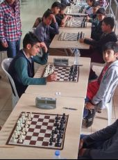 Kozan'da 23 Nisan Satranç Turnuvasında Yusuf Baysal Anadolu Lisesi'nden Osman Furkan BULUT 2. olmuştur.