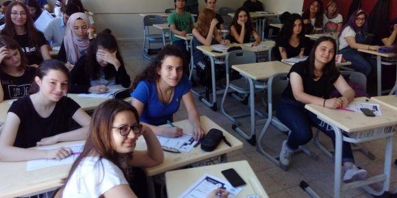 İstanbul Kadıköy Lisesinde seminer ve kurslar sürüyor