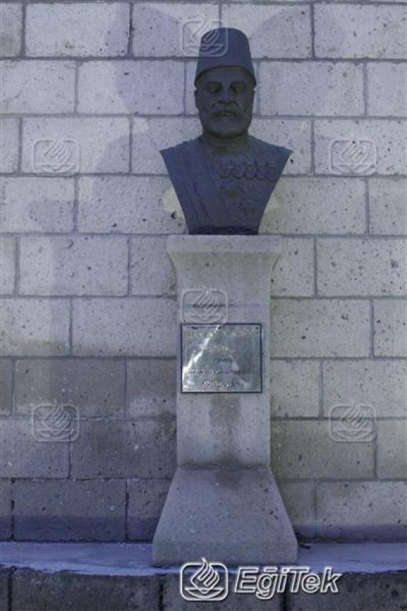 Isparta,Türk Büyükleri Duvarı, 2006