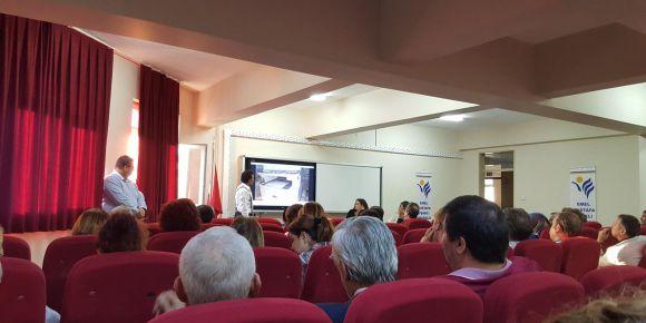 Emel-Mustafa Uşaklı Anadolu Lisesi EBA'yı velilerine tanıttı