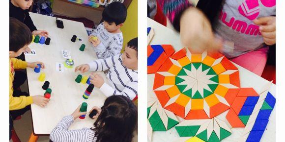 Sihirli Eller Sınıfı Zeka oyunlarını öğreniyor