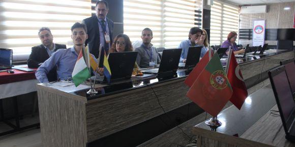 Avrupalı öğretmenlere FATİH ve EBA projeleri Kayseri'de tanıtıldı
