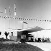 Petrol İstasyonu, 1964
