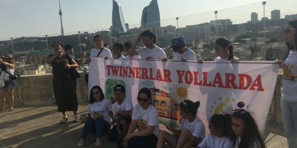 Twinnerlar Yollarda/ Twinners on Road