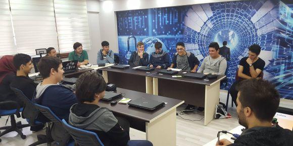 Lise öğrencileri için programlama kursu Düzce kodluyor