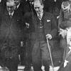 Atatürk, İş Bankasından Çıkarken, 1928