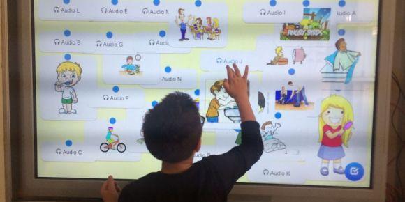Şehit Üsteğmen  Konuralp Özcan Ortaokulu 5. sınıf öğrencileri Web2 araçlarını kullanıyor