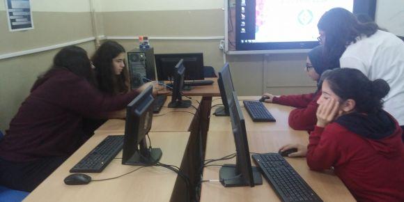 Erenköy Kız Anadolu Lisesinde kod haftası etkinlikleri