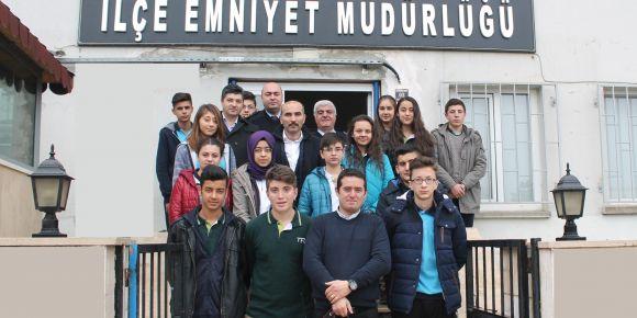 Tosya Fen Lisesinden Polis'e Anlamlı Ziyaret