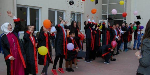 2016-2017 eğitim öğretim yılı mezuniyet törenini öğrencilerimiz coşkuyla kutladı