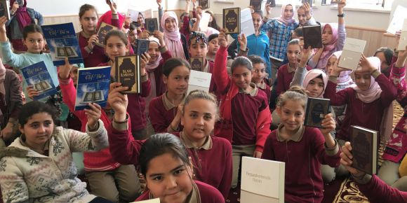 Mevlana İmam Hatip Ortaokulu Yabancı Dil Ağırlıklı Sınıf açıyor