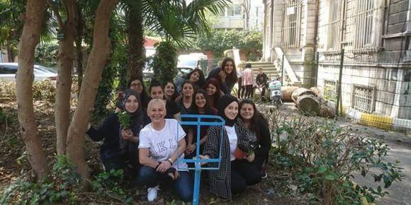 İstanbul Kadıköy Lisesinde bahçe düzenlemesi