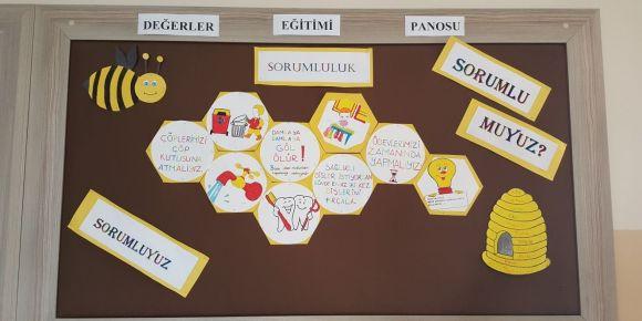 Süleymanobası İlkokulu değerler eğitimi sorumluluk pano çalışması