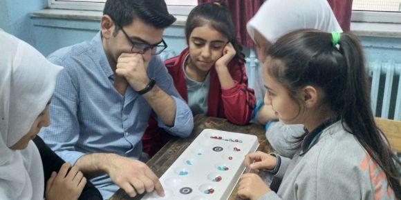 Türk Zeka Oyunu Mangala ile Zihinlerimizi Tazeledik.