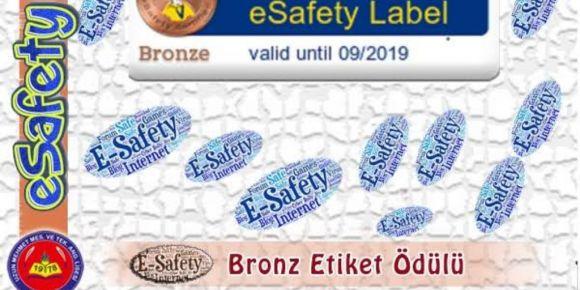 Esafety label etiketi