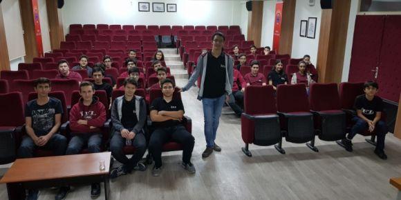 Bilişim ve robotik kulübümüz toplandı