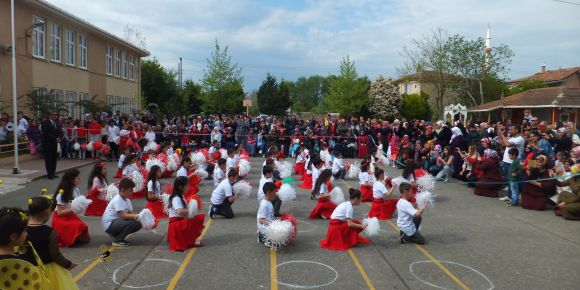 50. Yıl İlkokulunda Ulusal Egemenlik ve Çocuk Bayramı coşkuyla kutlandı