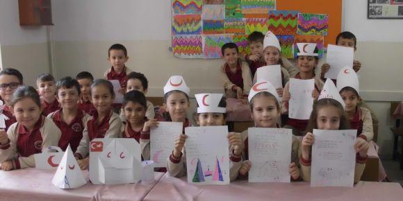2-E sınıfı öğrencileri Kızılay Haftasını kutladı