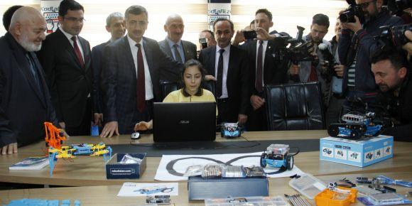 KodlaRize projesi ilk kodlama atölyesi açıldı