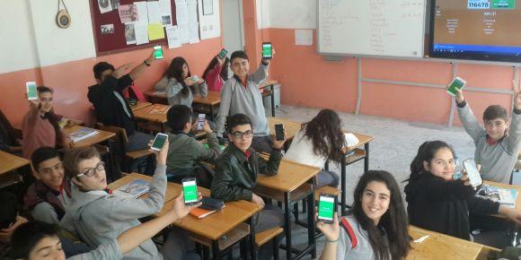 Avanos Anadolu Lisesinde İngilizce dersleri kahoot ile çok eğlenceli