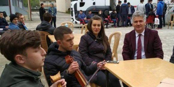 Of Ulusoy Lisesi kan bağışı geleneğini devam ettiriyor