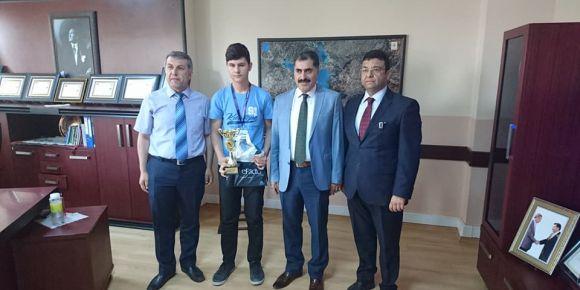 Adana Kurttepe Şehit Ali Öztaş Dünya 2.si oldu.