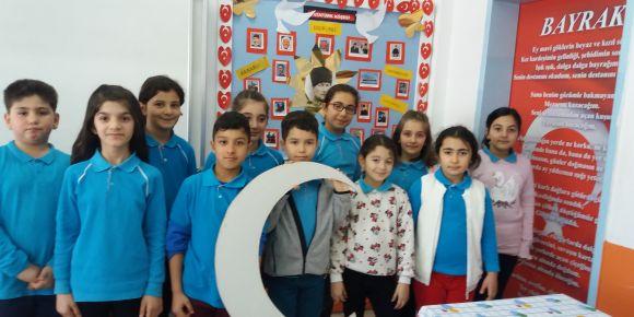 İstiklal Marşmızı şiir olarak okuma yarışması yaptık