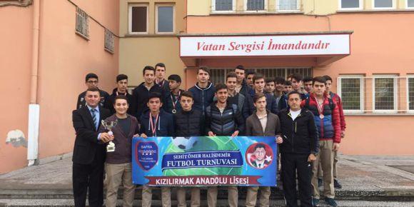Samsun Bafra Kızılırmak Anadolu Lisesi'nde Şehit Ömer Halisdemir spor etkinlikleri