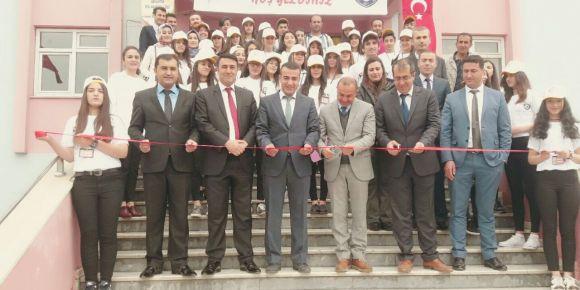 Yüksekova TOKİ Anadolu Lisesi bilim fuarı