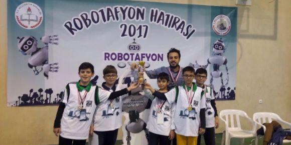 Sakarya Bilsem robot yarışmasında Türkiye ikincisi oldu