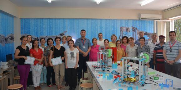 Teknoloji tasarım öğretmenlerine 3D tasarım ve modelleme eğitimi