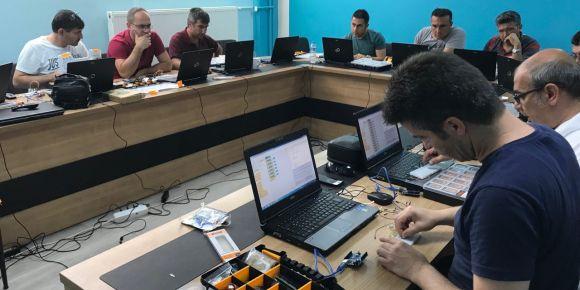 KodluYOZ Projesi kapsamında Temel Kodlama Kursu düzenlendi