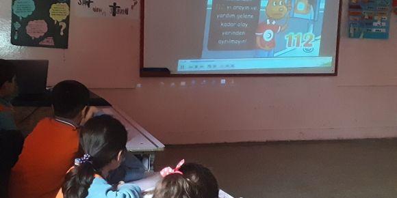 Nizip Cumhuriyet İlkokulu 2-D sınıfı ilkyardım eğitim etkinliği