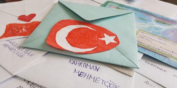 Boyabatlı Öğrencilerden Kahraman Mehmetçiğe Mektup