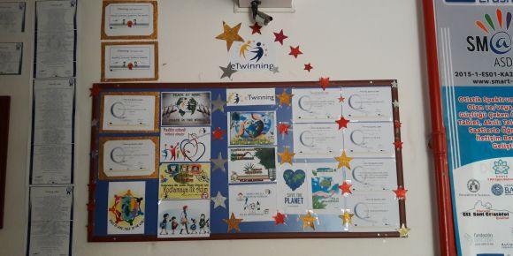 Atatürk İlkokulu eTwinning'te rekora koşuyor.