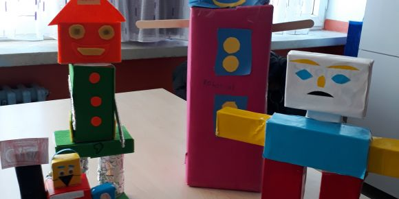 Geometrik cisim ve şekillerden robot yapımı